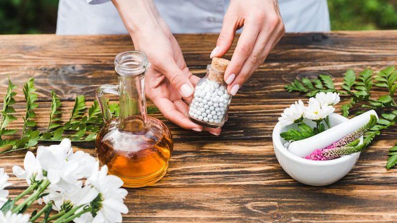 La médecine douce est-elle compatible avec les traitements médicamenteux ?